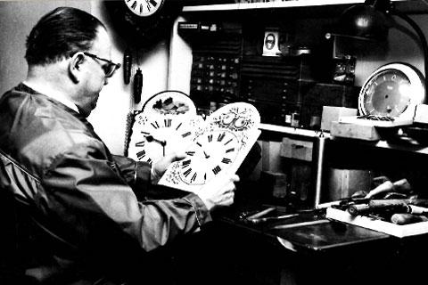 Johann Grießhaber in seiner Werkstatt