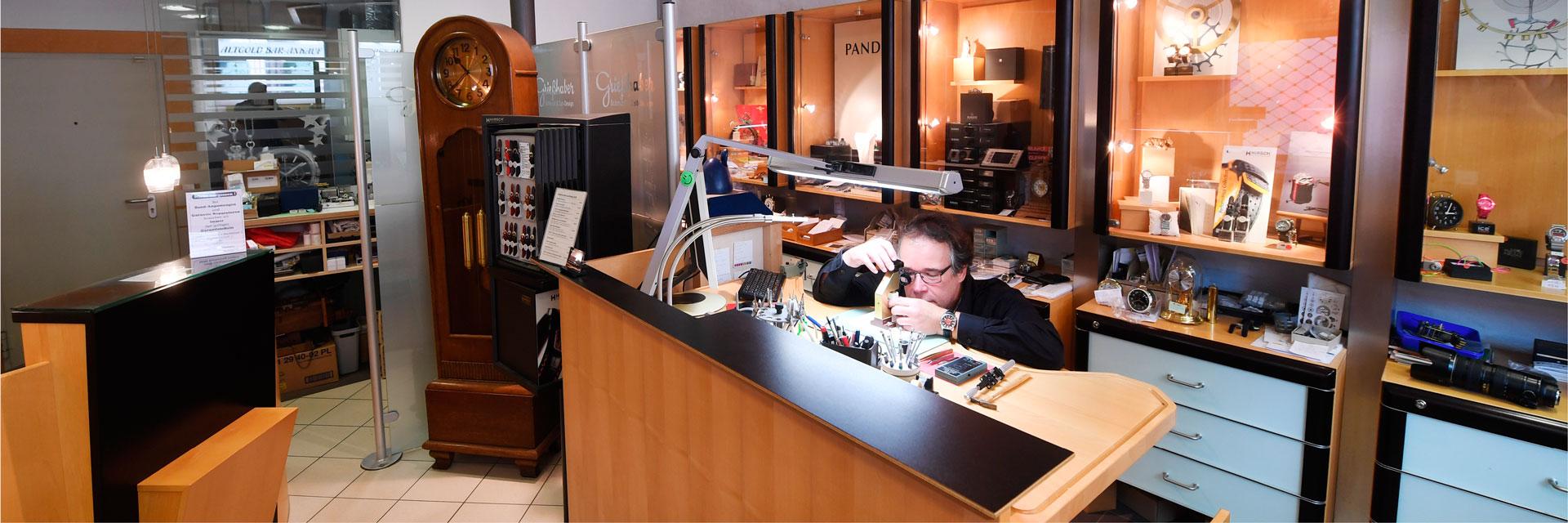 Uhrenreparatur-Service in der Münstergass